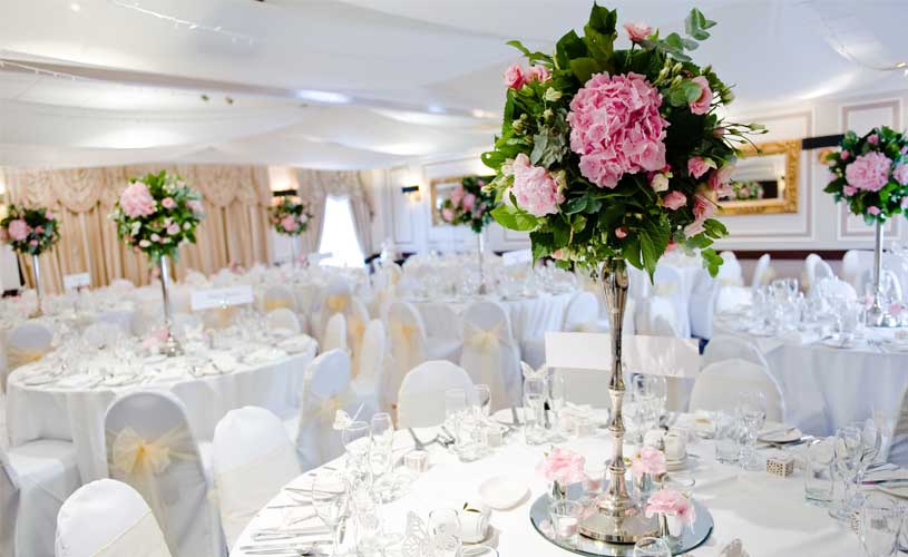 pink table flower at wedding event